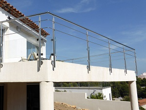 Garde-corps pour balcon en verre