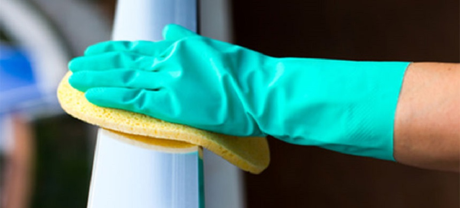Nettoyer un garde-corps inox