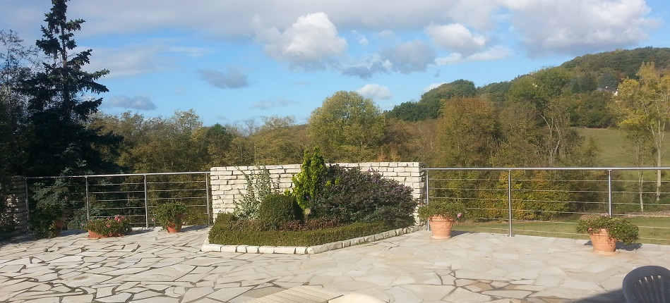 Rambarde inox sur une terrasse