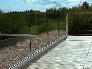 Rambarde tout en verre sur profilé en aluminium