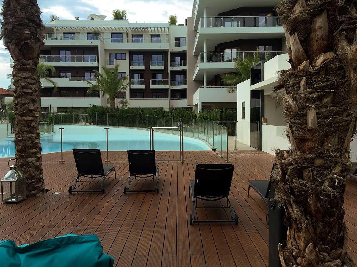 Barrière piscine avec portillon